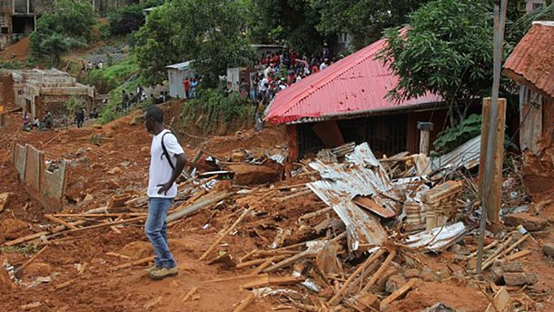 Жертвами селевого потока вСьерра-Леоне стали уже неменее тысячи человек