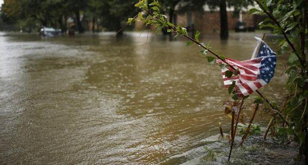 Потужний потоп через ураган Харві в Техасі