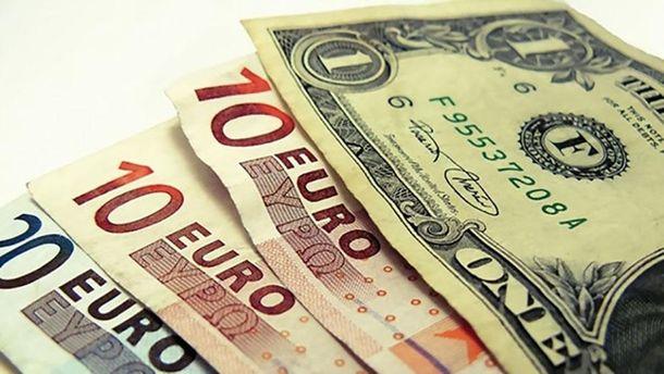 НБУ: Гривня зміцнила позиції щодо долара всерпні