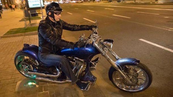 Мер Києва Віталій Кличко катався нічним Києвом