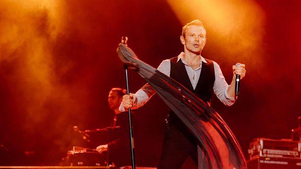 Неожиданно: Святослав Вакарчук исполнил нарусском языке пользующуюся популярностью песню