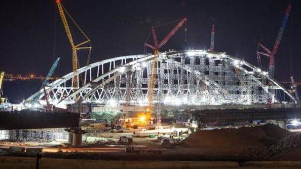 Керченский мост просел: блогер рассказал о серьезной проблеме России