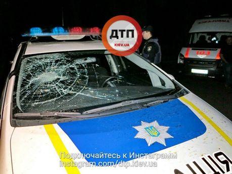 Побили машину поліції