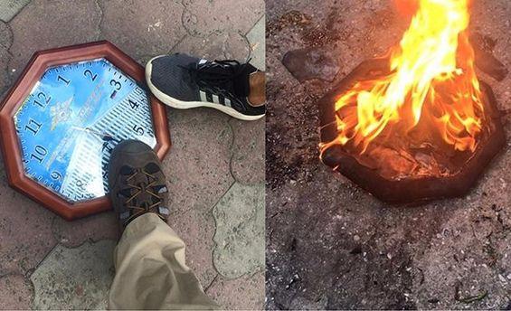 ВОдессе радикалы сожгли содержащие российскую символику часы