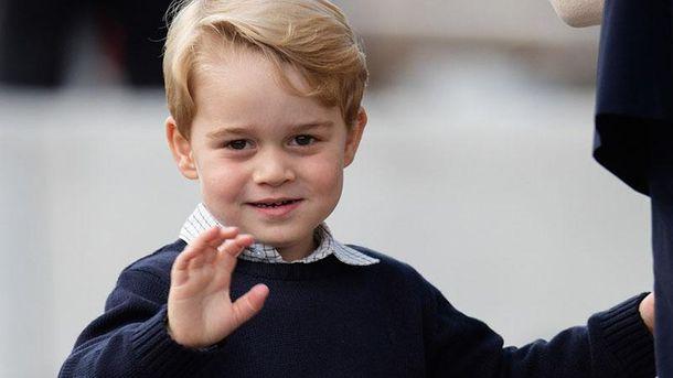 Принц Джордж пішов у школу