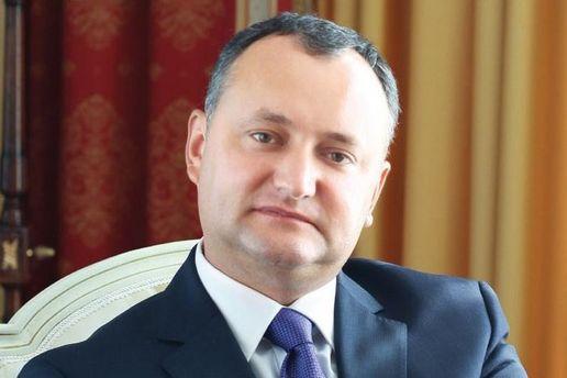 Додон требует отставки министра обороны из-за участия войск в учениях в Украине