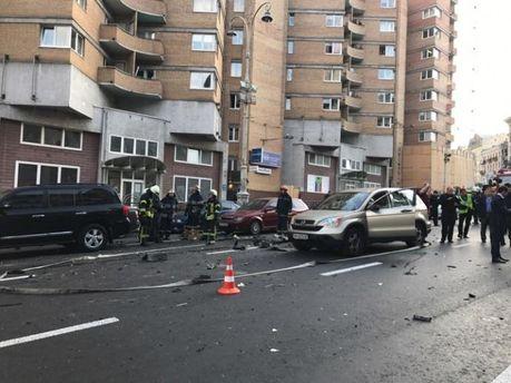 В результате взрыва авто возле