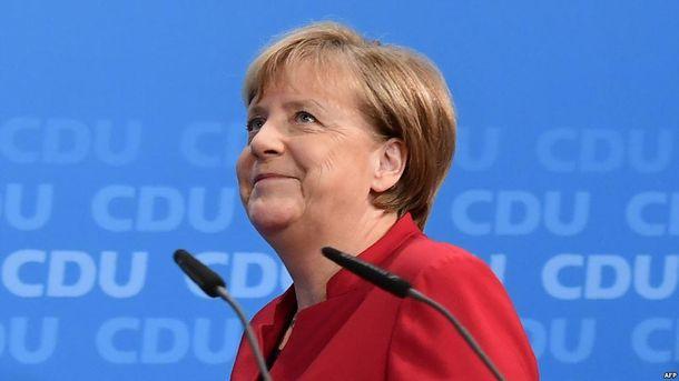 Ангела Меркель хоче зняти санкції з Росії за певних умов