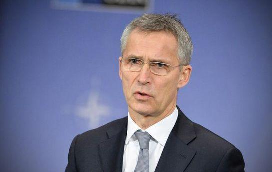 Столтенберг виступив проти пропозиції Габріеля скасувати санкції проти Росії