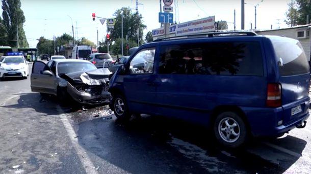 В Харькове в результате тройного ДТП пострадали 4 детей-хоккеистов и тренер