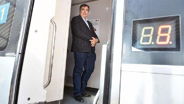 Міхеїл Саакашвілї зник з готелю у Львові