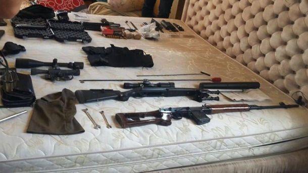 Полиция изъяла арсенал оружия