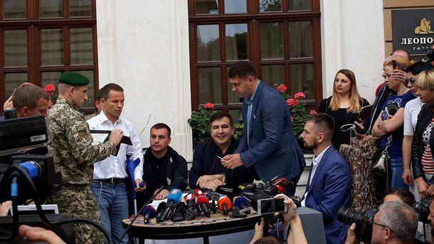 Саакашвили получил протокол от Госпогранслужбы о незаконном пересечении границы
