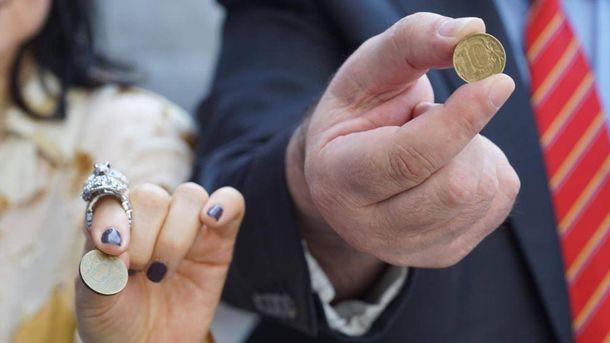Кримські татари принесли окупантам 140 кілограмів монет для сплати штрафів
