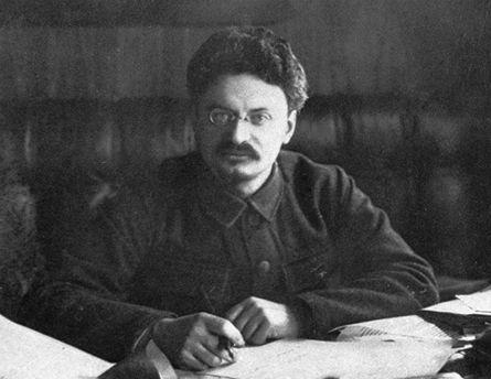 Лев Троцький