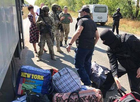 Офіс омбудсмена: бойовики з«ДНР» передали українській стороні 19 засуджених