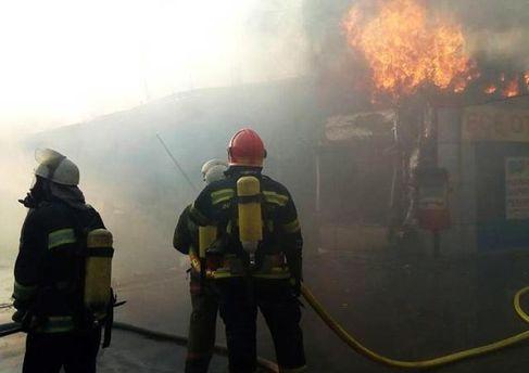 Пожежу на Борщагівці в Києві загасили