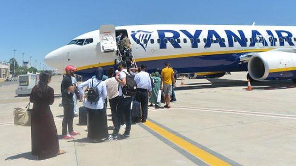 Ryanair отменяет десятки рейсов
