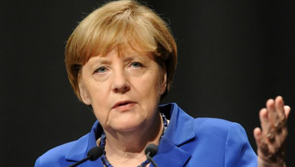 Меркель заявила, что предложения Путина по миротворцам являются
