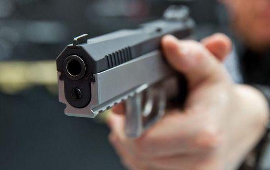 В Германии мужчина устроил стрельбу в баре: есть погибшие