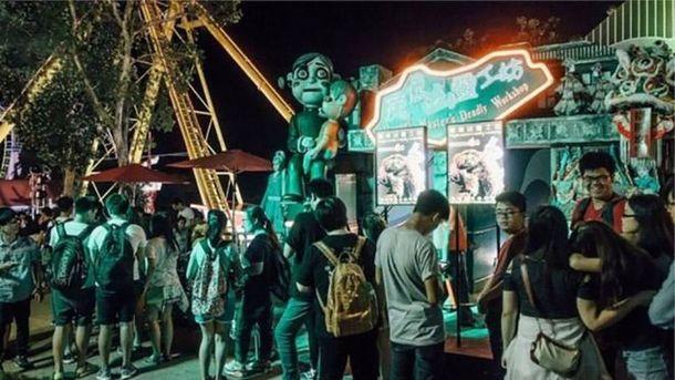 В Гонконге посетителя парка развлечений убил гроб