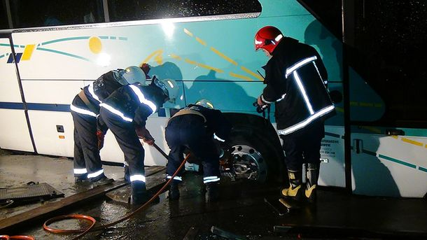 В Івано-Франківську перевернувся автобус із польськими прочанами