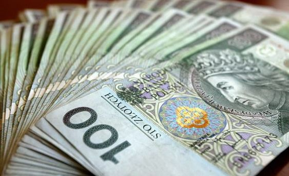 Українські заробітчани перевели з Польщі додому 8 мільярдів злотих