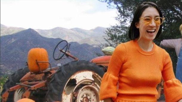 Єва Чен у костюмі від українського бренду Ksenia Schnaider