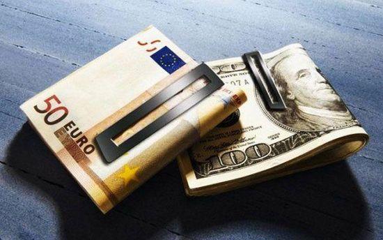 Наличный курс валют 22 сентября: гривна снова упала