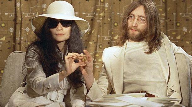 Вдова Джона Леннона отсудила огромные суммы за реализацию лимонада John Lemon