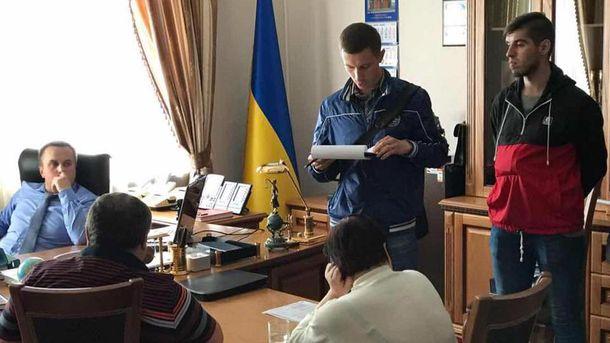 Двое судей задержаны запопытку передачи взятки Холодницкому