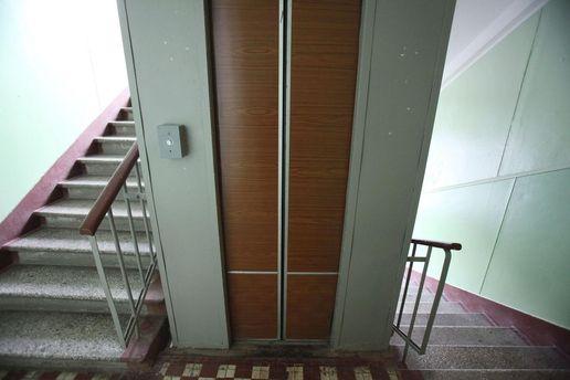 УХерсоні з п'ятого поверху зірвався ліфт здвома дітьми