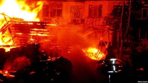 Пожежа утаборі Вікторія: виховательку відпустили напоруки
