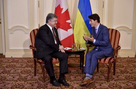 Порошенко та Трюдо обговорили спрощення візового режиму з Канадою