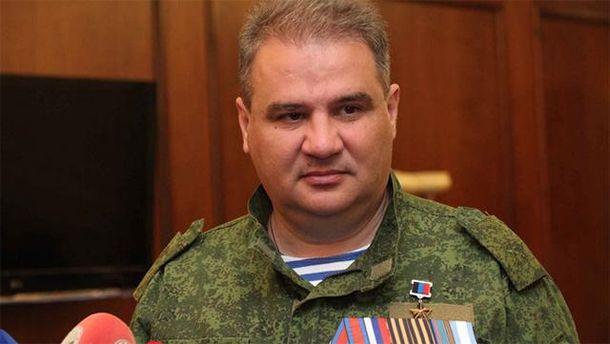 В результате взрывов в Донецке ранены восемь человек.