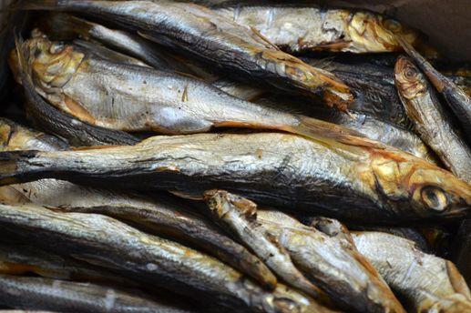 У10 львів'ян після споживання риби з місцевого ринку виявили кишкову інфекцію