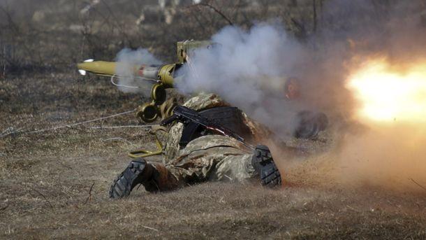 Террористы Донбасса 18 раз обстреливали украинские позиции в зоне АТО