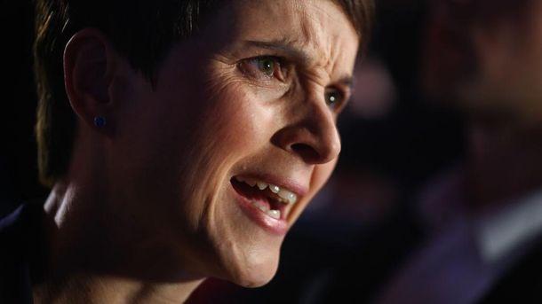 Лидер ультраправой «Альтернативы для Германии» покинет партию