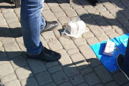 Екс-чиновника Харківської ОДА впіймали на хабарі