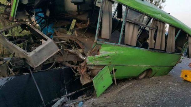Автобус попал в ужасную аварию в Изюме на Харьковщине