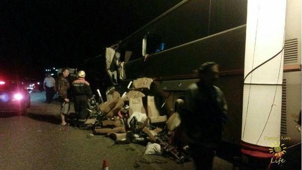 В  Росії  автобус з паломниками зіштовхнувся з вантажівкою
