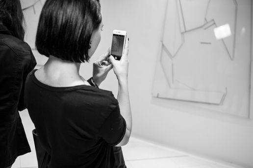 Посетители выставки в восторге от медиа-произведений