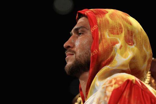 Ломаченко вошел втройку лучших боксеров мира