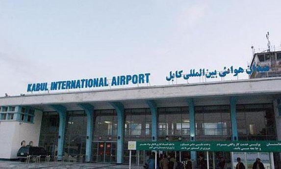 Кабульський аеропорт обстріляли після прибуття міністра оборони США