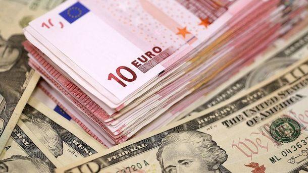 Курс валют на25 вересня: євро далі «поліз» догори