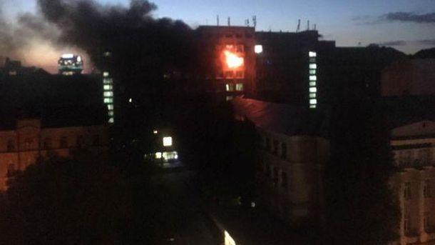 УКиєві сталася пожежа в Інституті харчових технологій, врятовано професора