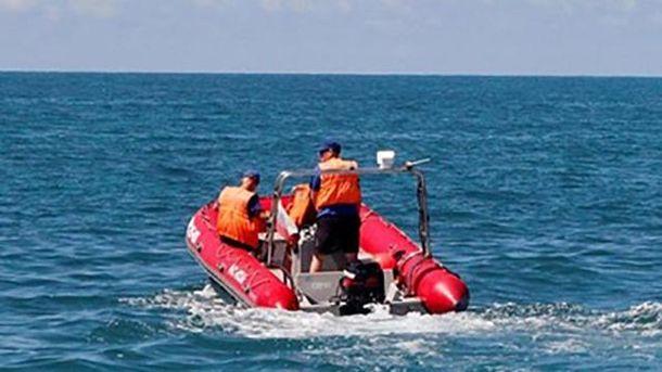 НаДонеччині трьох рибалок віднесло у відкрите море