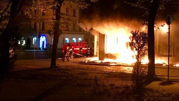 УЛьвові вщент згоріло відділення «Сбербанку»