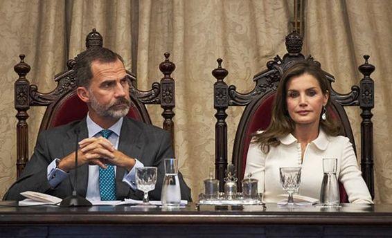 Монарх  Испании недоволен деяниями  властей Каталонии