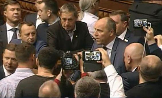 Парубій закрив Раду: закон про реінтеграцію Донбасу неухвалено
